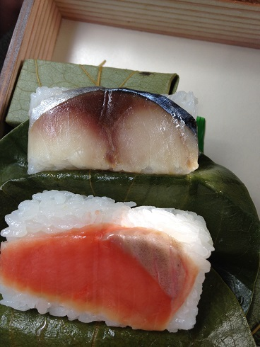 奈良公園・東大寺観光アレルギー情報「柿の葉寿司」と「そば・うどん」を食べました